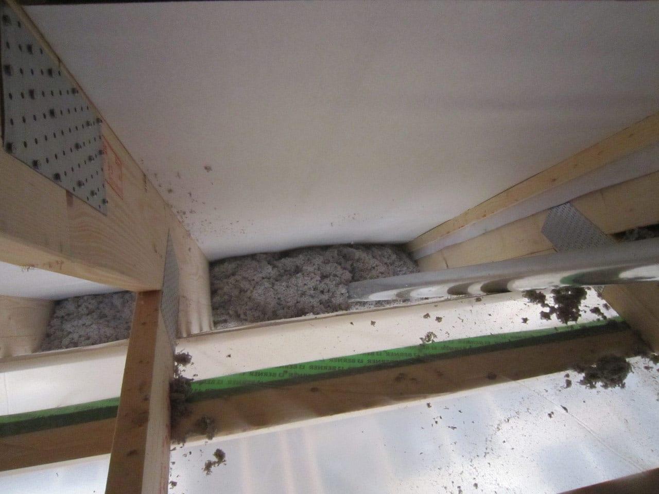 Einblasdämmung von Dachschrägen und Abseiten